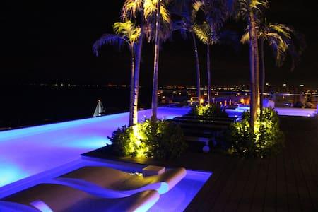 2.5B in the Best Building of the Romantic Zone - Puerto Vallarta
