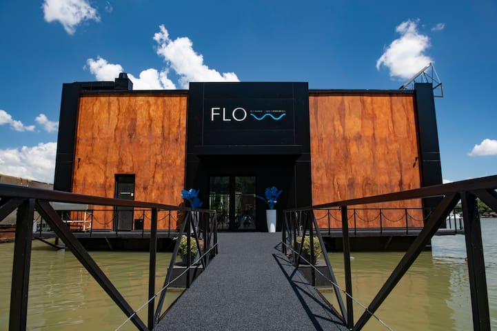 FLOW restaurant | bar | apartments Apartment no.3