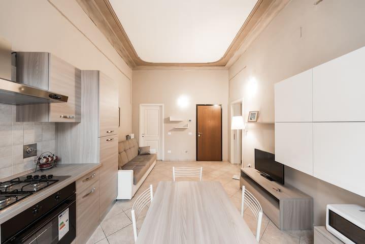 One Bedroom Luxurious Liberty Apartment - Reggio Emilia