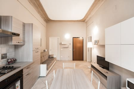 One Bedroom Luxurious Liberty Apartment - Reggio Emilia - อพาร์ทเมนท์