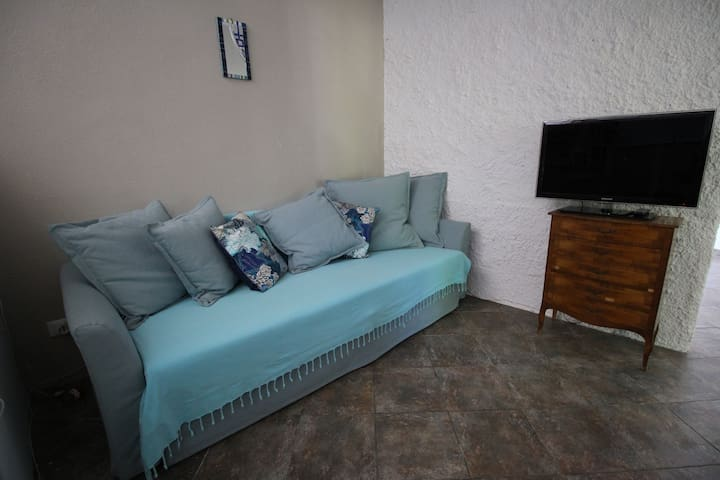 Watch tv, read a book, or simply chill or sleep on this double sofa bed