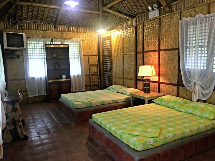 Cottage in Los Banos Hot Spring resort with 2 beds