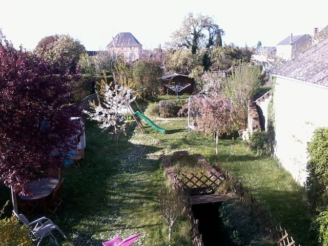 Cosy and comfortable house with garden near zoo - Doué-la-Fontaine - Haus
