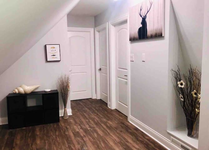 Logan Square Recently Renovated 1 Bedroom
