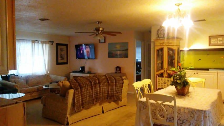 Sunshine, Seashells and Dreams - North Fort Myers - Ev