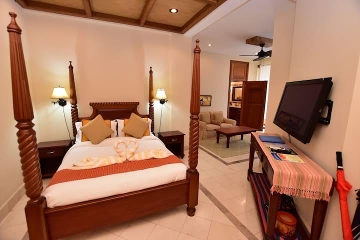 Villa Verano Courtyard Room at Beachfront Hotel