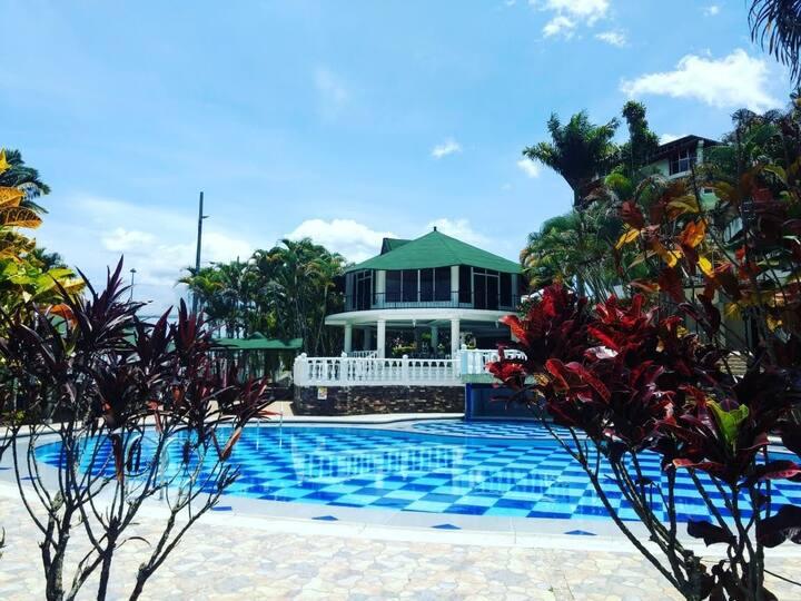 Hotel / Club House / La Quinta Real / cerca a bgta