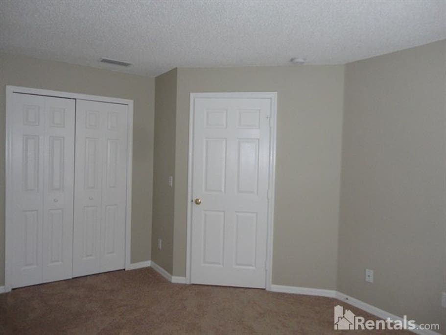 bedroom is 12 x 10ft with a spacious closet.
