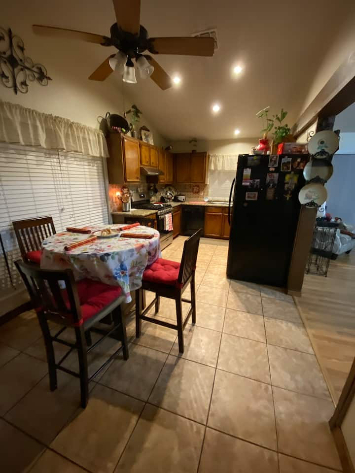 Quiet area ,close to freeways and shopping center