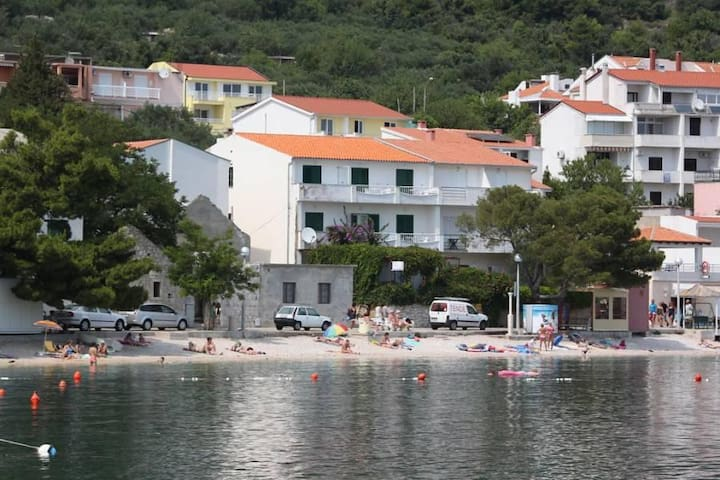 Studio flat near beach Igrane, Makarska (AS-6653-a) - Igrane