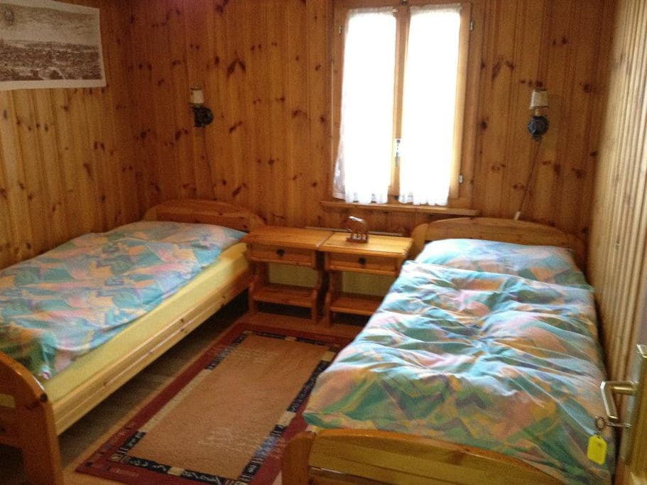 Chambres d 39 h tes chalet les ormeaux guest houses for Chambre hote 94