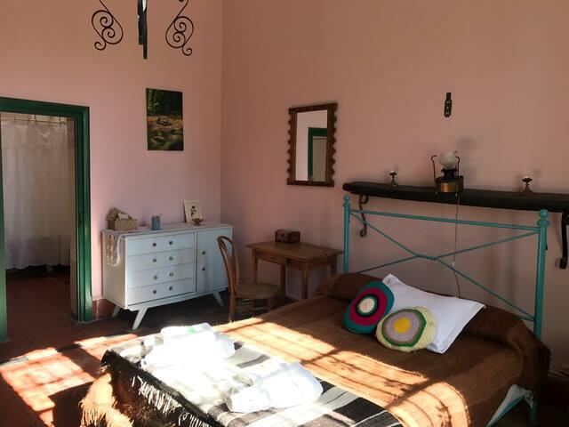 Habitación N°5 con baño en suite