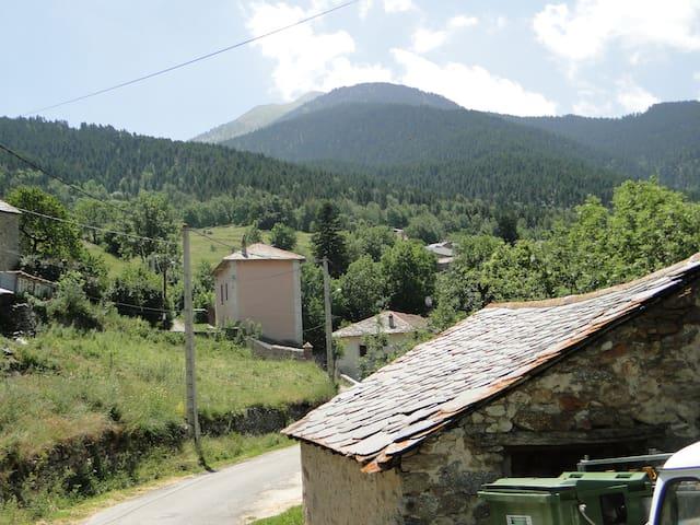 GÎTE A LA FERME - Pyrénées catalanes - Montagne 3 - Planès - Talo