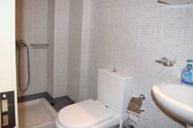 Level -1: Bathroom
