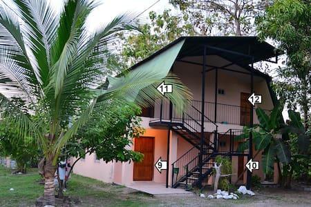 Mapi's Cabins #9 Near Ferry & Beach