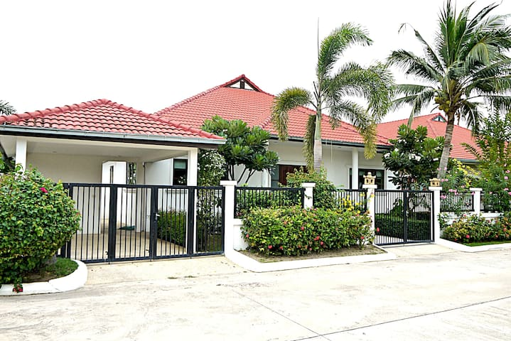 Hua-Hin Private house with  pool B 6