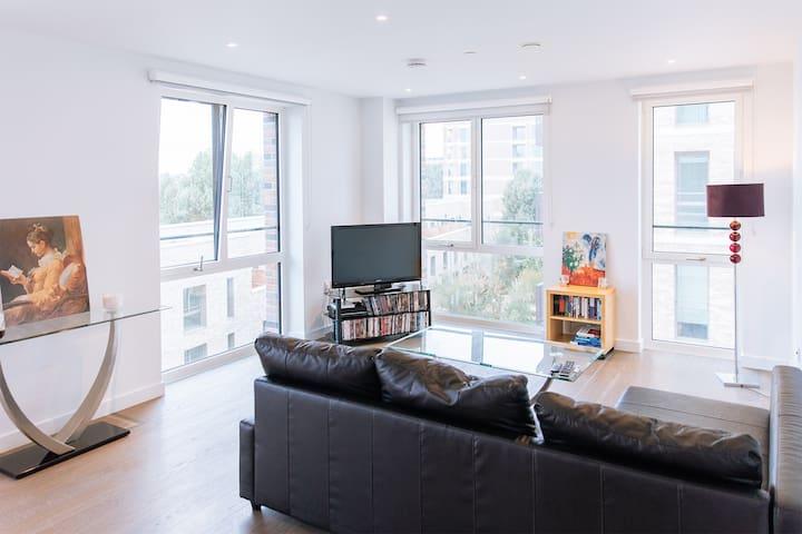 Luxury newbuilt 2-bed/2-bath London Zone 1