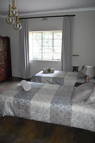 House Shalom Fern Room