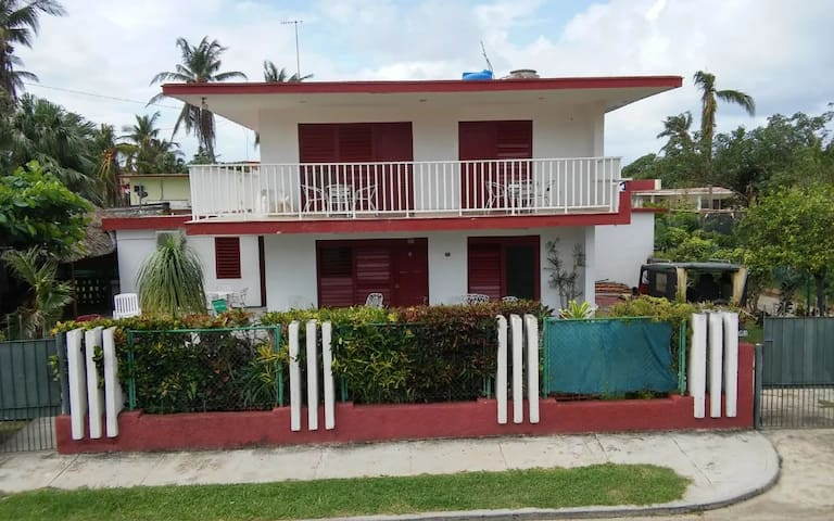 House with 4 rooms 40 meters from the sea