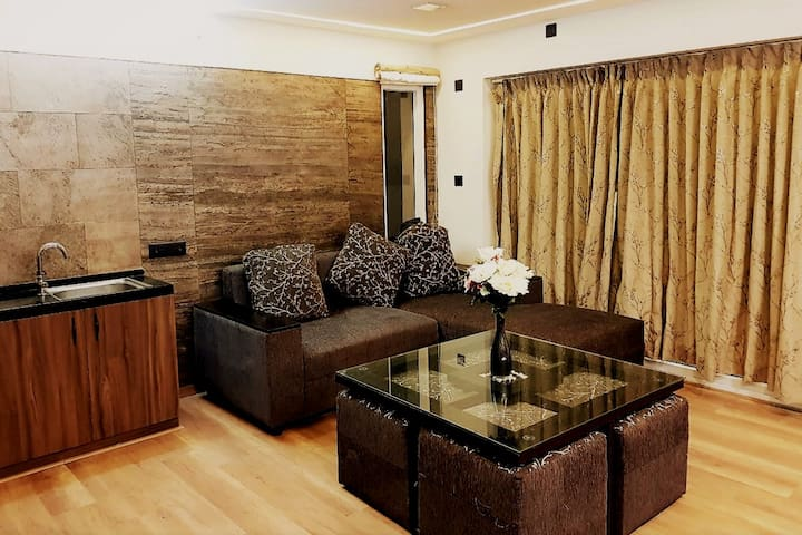 Premium Suite for Family/Couple near Lake/Busstand