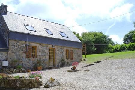 Traditional Breton Longere - Rumah