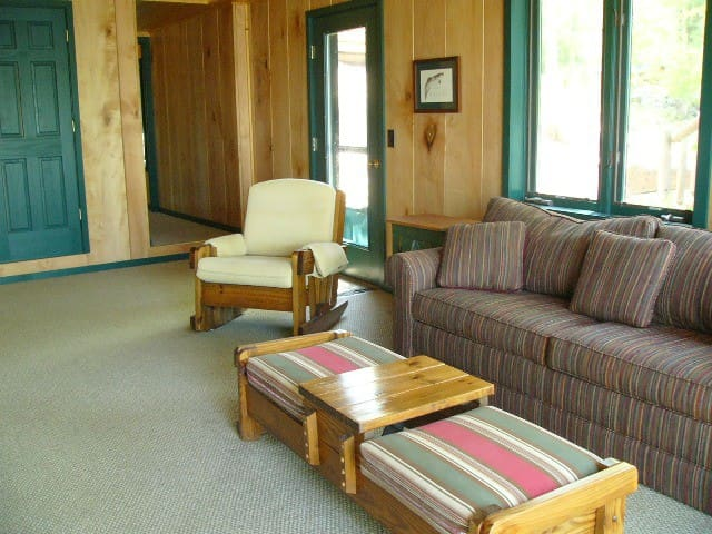 The Lakehouse- Lake Ann, Sleeps 8.
