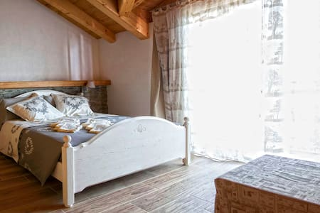 B & B  LINDA - Sueglio - Bed & Breakfast