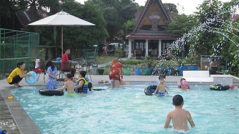 Horas Family Home on Lake Toba, Samosir