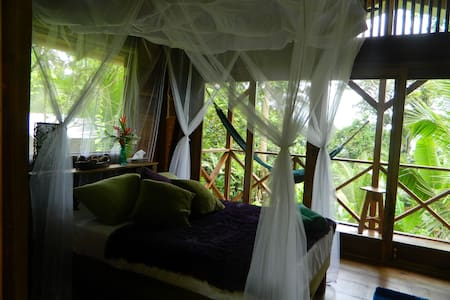 Coco Hill Jungalows - Margarita - Bocas del Toro - Bed & Breakfast