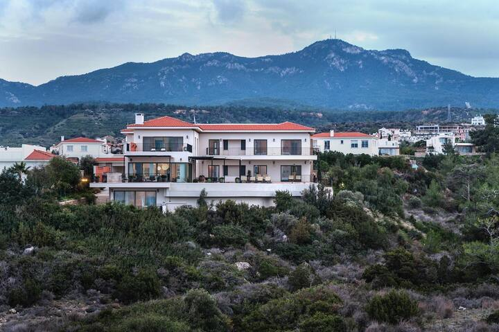 Spectacular Luxury Villa located in Northern Cyprus