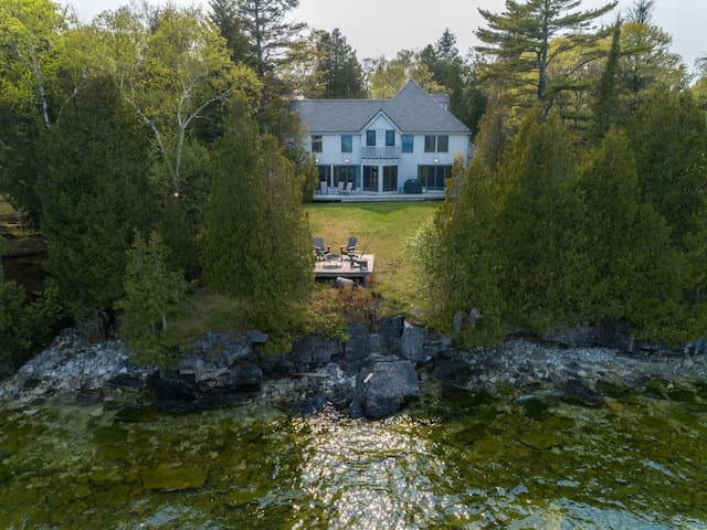 5* Lake Home, Architect designed, 4 Bed, 3.5 Bth