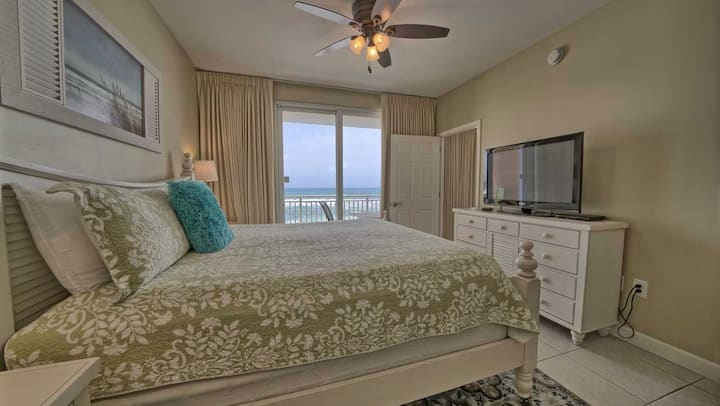 DeLuxe, family friendly oceanfront, kids paradise
