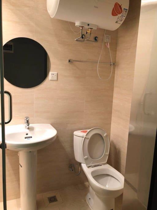 独立洗浴间内景