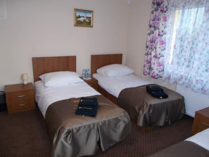 Pokój 3 osobowy - 3 Łóżka pojedyńcze 90x200 Balkon