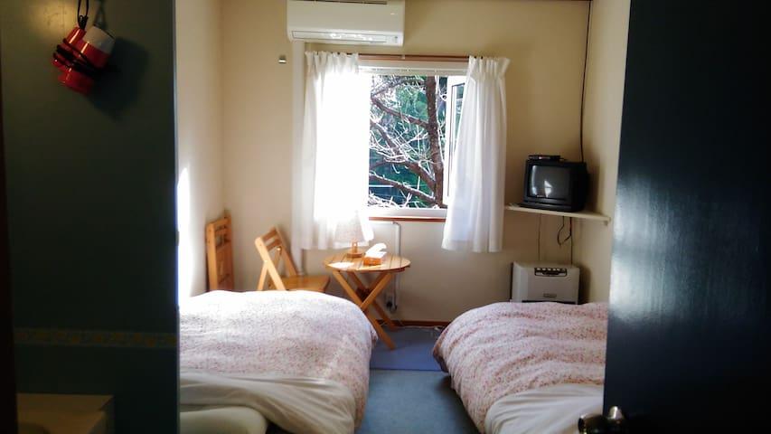 清潔なベット エアコン付きの部屋