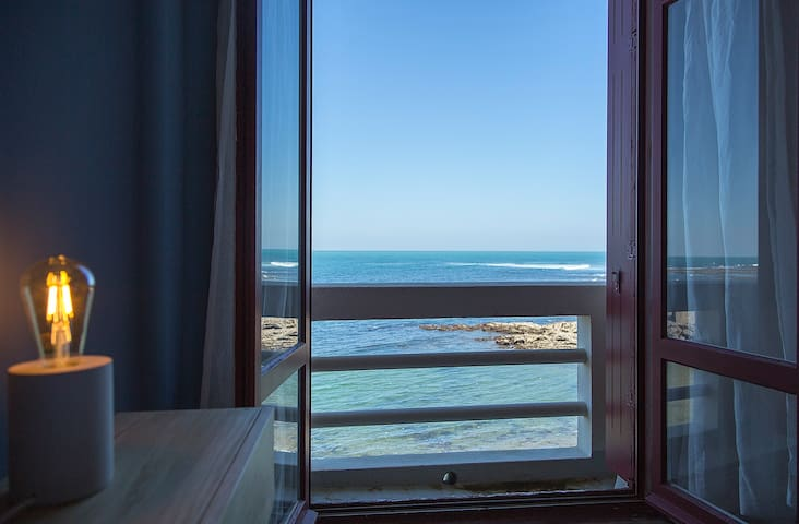 Guethary ocean front apartment!