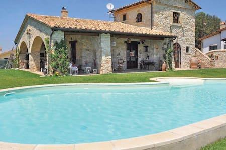 NEW! Charming stone villa with pool near Rome - โรม - วิลล่า