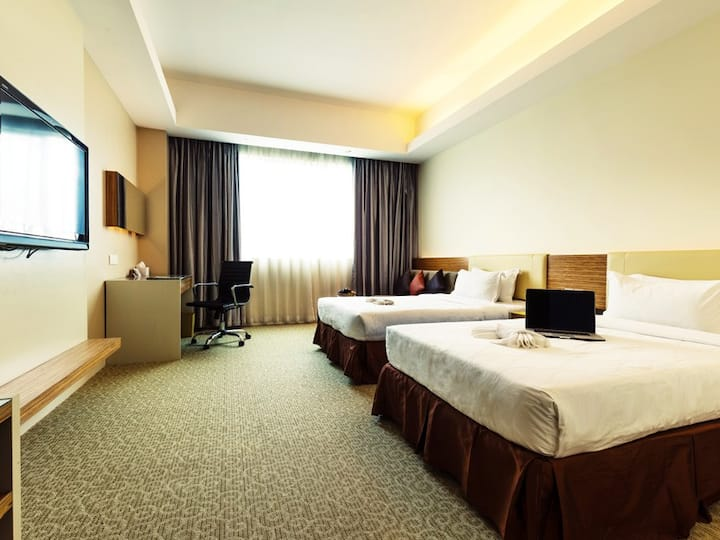 Deluxe King / Twin - Room With Breakfast