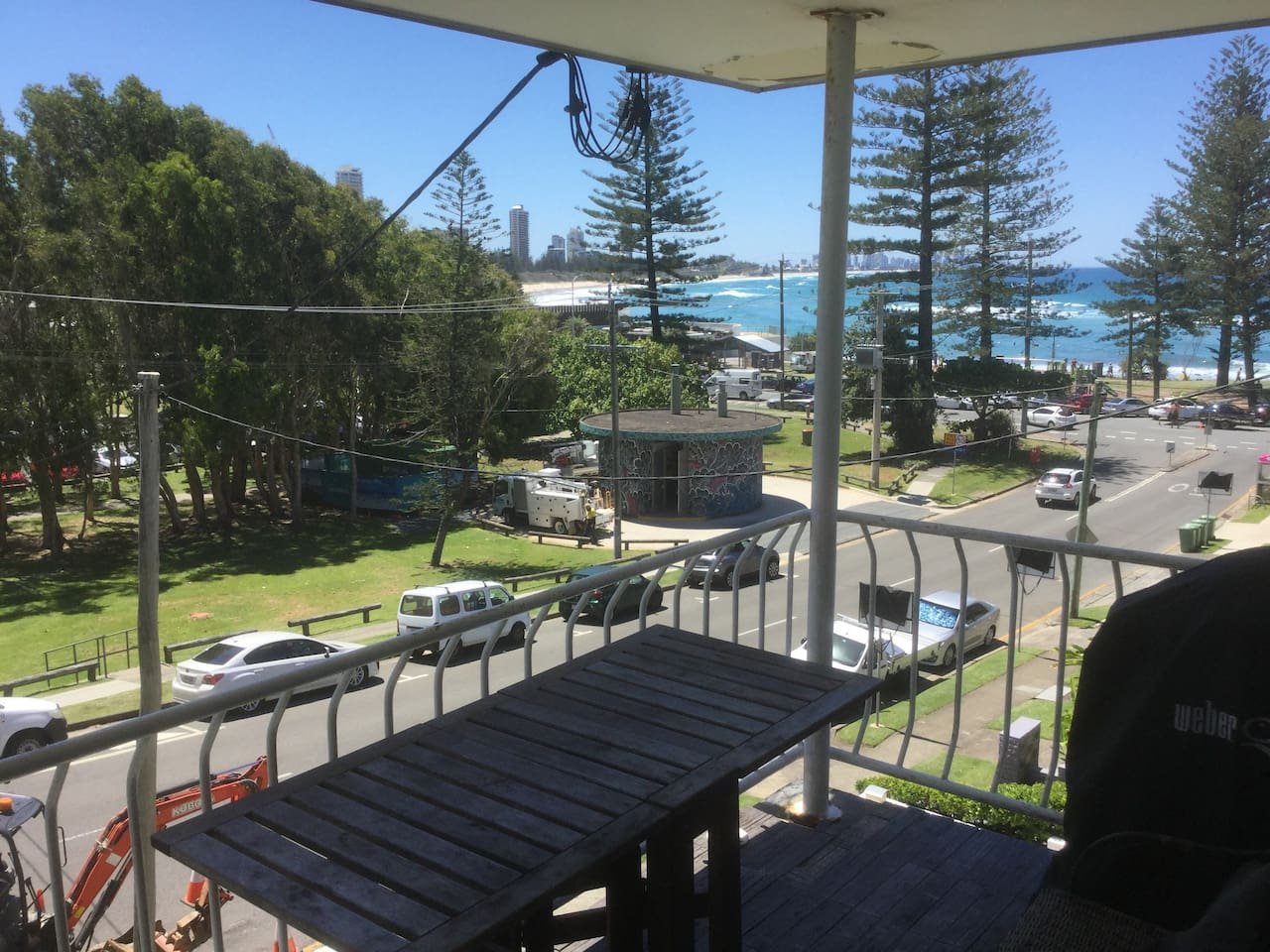 Alfresco dining with a view to Surfers Paradise