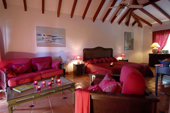 CHAMBRE DELUXE DANS BOUTIQUE HOTEL - Saint-Martin - Annat