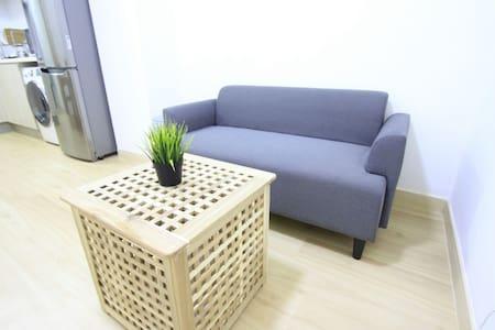 Sheung Wan Apartment