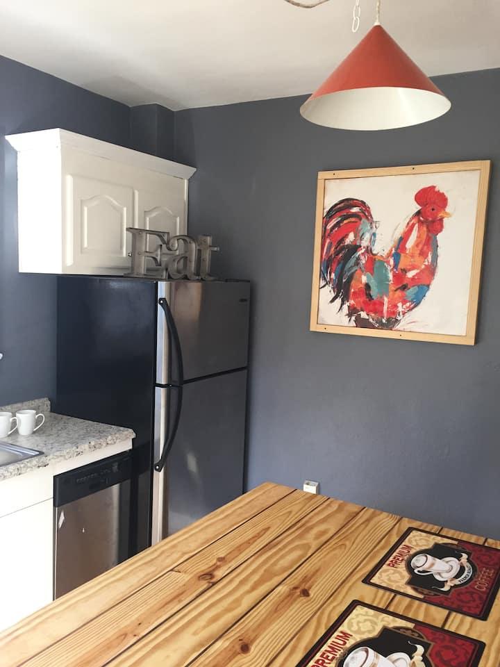 Newly Updated 2BR Second Floor Apt w/Full Kitchen