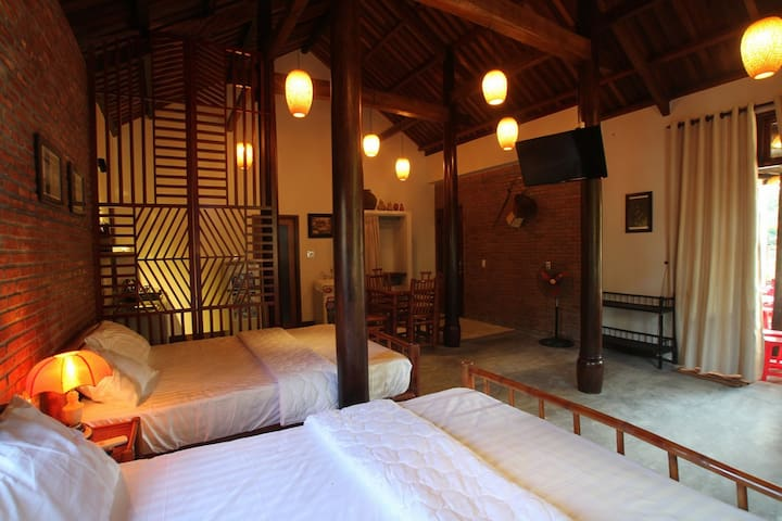 Cosy Wooden House in Hoi An