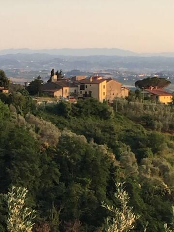 Piccolo appartamento  Sulle colline Toscane