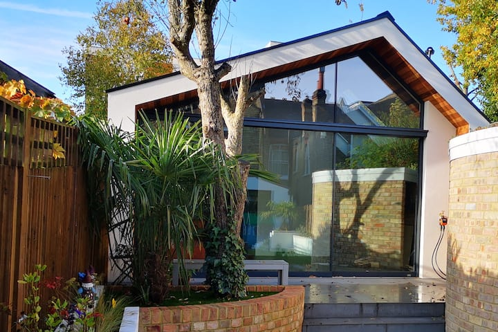 Modern private guest house in Muswell Hill