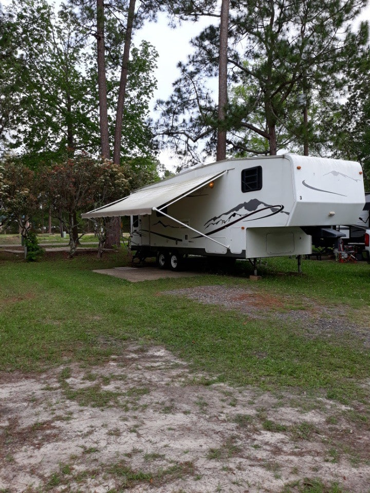 Beautiful Camper close to Nature