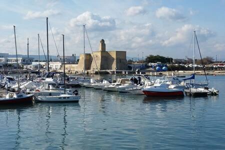 Villetta a schiera, ideale per rilassarsi al mare - Villanova - Villa