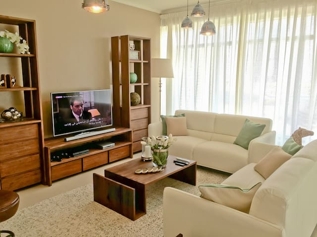 10 Minutes walk to Dubai Mall (E), 1 BR apartment - Dubai - Apartemen