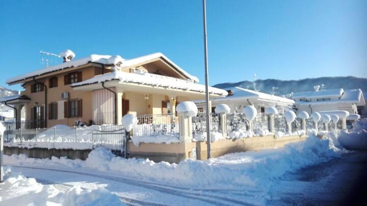 B&B Vista Monviso - Camere per 3-4 ospiti.