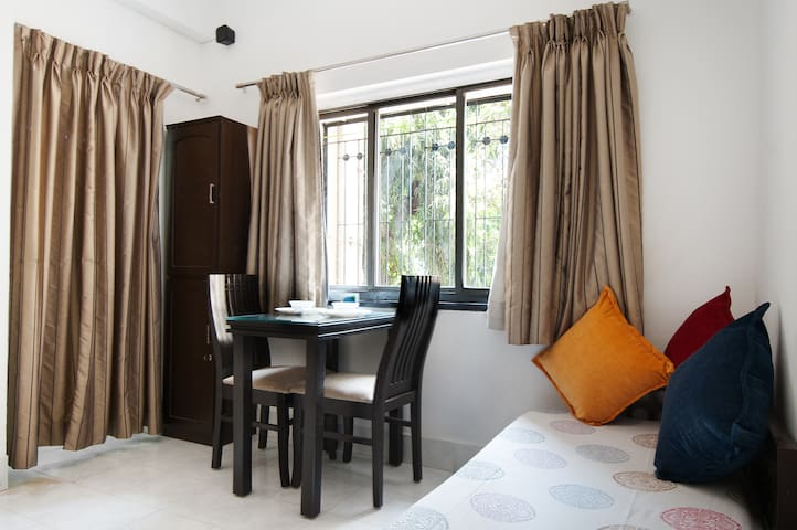 Furnished apartment in Mumbai